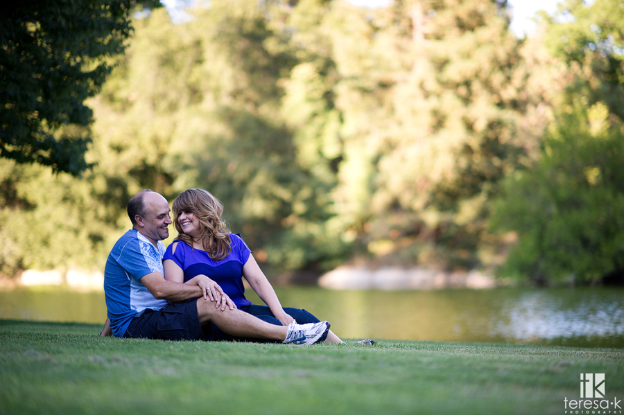engagement image by the water in Davis