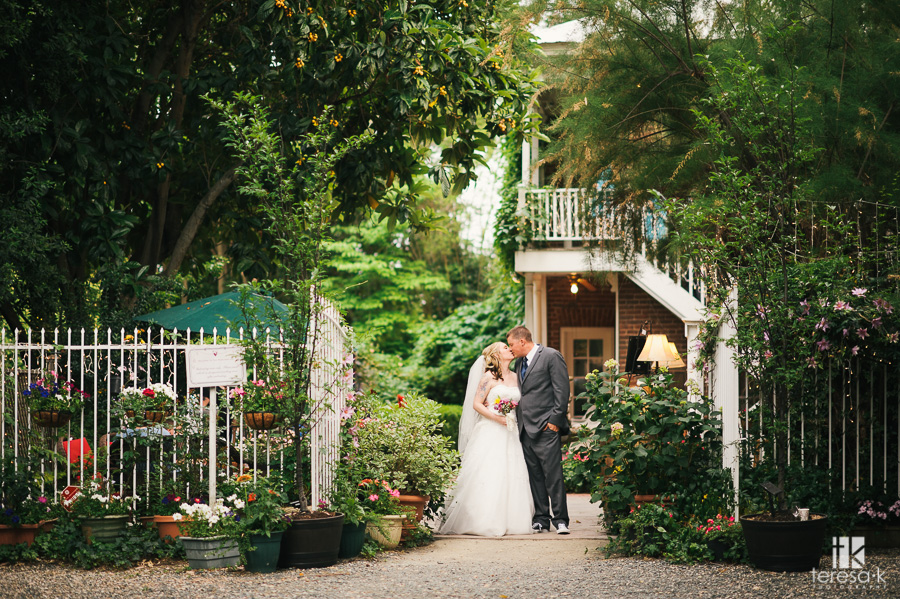 Heirloom-Inn-Bed-and-Breakfast-Wedding40