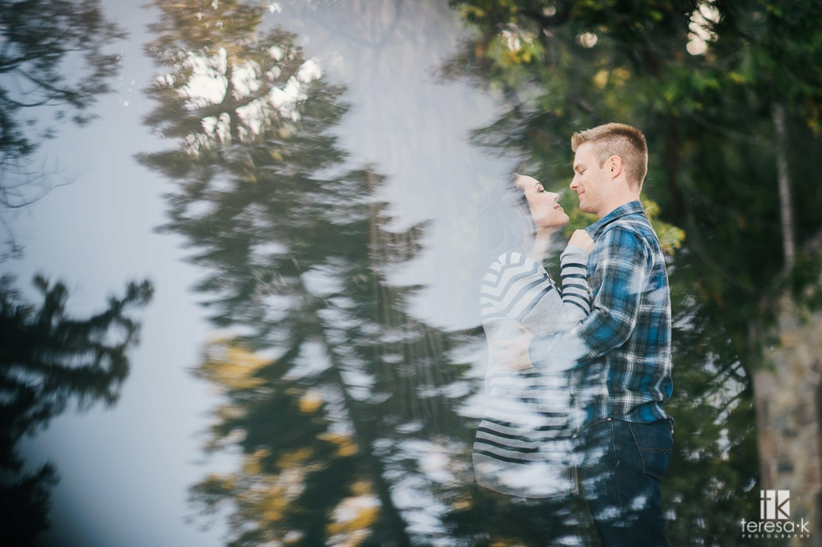 Winter-Lake-Tahoe-Engagement-Session-08