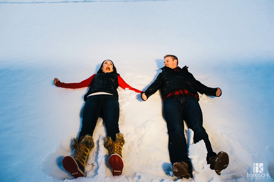 Winter-Lake-Tahoe-Engagement-Session-_0024