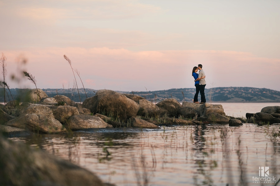 Spring-Engagement-Session-at-Folsom-Lake-017